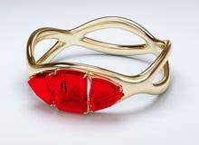 Złocisty pierścionek z rubinem Zdjęcia Stock