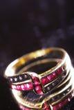 złocisty zamknięty złocisty pierścionek Fotografia Royalty Free