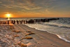 złocistych starych pomarańcze menchii pontonowy morzy zmierzch Obraz Royalty Free