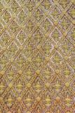 Złota ścienny laithai świątynia przy Thailand fotografia royalty free