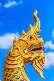 Złota Gigantyczna wąż rzeźba Fotografia Stock