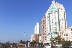 Złota mily plaży przodu miasta linia horyzontu w Durban Fotografia Stock