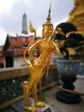 Złota Narasimha postać przy uroczystym pałac Tajlandia Obraz Royalty Free
