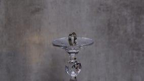 Złota obrączka ślubna Romeo i Juliet Obrazy Royalty Free