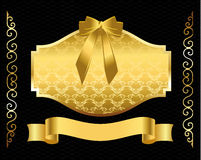 Złota osłona z pięknym ornamentem Fotografia Royalty Free