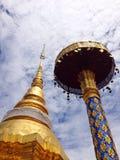 Złota pagoda w świątyni Obrazy Royalty Free