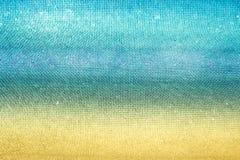 Złota piasek plaża z błękitne wody Zdjęcie Royalty Free
