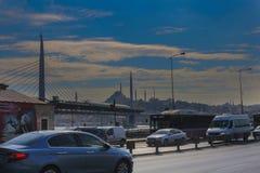 Złota róg stacja metru Istanbuł & samochody, Turcja obrazy stock