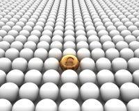 Złota sfera z funtem na biały backgro Obraz Stock