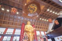 Złota statua przy Che Kung świątynią, Shatin obrazy royalty free