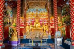 Złote Buddha statuy, Wata Puak pia, świątynia w Chiang Mai Tajlandzkim zdjęcia royalty free