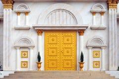 złote drzwi obrazy royalty free