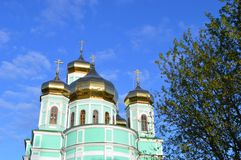 Złote kopuły ortodoksyjny kościół Obrazy Royalty Free