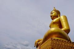 Złotej Buddha Birmańskiej sztuki Tajlandzki styl mieszał Tajlandzką sztukę Granica Tajlandia, Obrazy Royalty Free