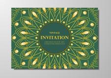Złoto koronka na zielonym tło rocznika karty mandala projekta wektorze Zdjęcia Stock
