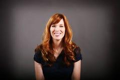 złotowłosy portret czerwony Zdjęcie Royalty Free
