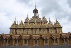 Złoty Świątynny Wat Tha Śpiewał Uthai Thani prowincję sławna jawna świątynia w Tajlandia obraz stock