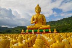 Złoty Buddha przy Buddha Pamiątkowym parkiem Fotografia Royalty Free
