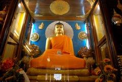 Złoty Buddha wśrodku Mahabodhi świątyni, Bodhgaya, Bihar, India Obrazy Royalty Free