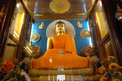 Złoty Buddha wśrodku Mahabodhi świątyni, Bodhgaya, Bihar, India Obrazy Stock