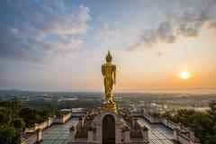 Złoty Buddha wizerunek Wat Phra Który Khao Noi, Tajlandia zdjęcie stock