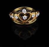 Złoty diamentowy pierścionek Fotografia Royalty Free