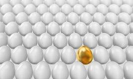 Złoty jajeczny pomysł zdjęcia royalty free