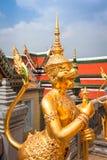 Złoty kąt przy Watem Phra Kaeo, świątynia Szmaragdowy Buddha i Zdjęcia Royalty Free