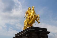 Złoty koński Goldener Reiter statua Sierpień Silny zdjęcie stock