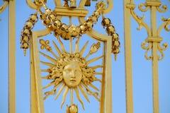 Złoty ogrodzenie z ornamentem obraz stock