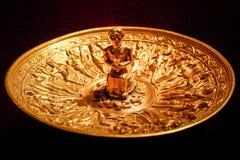 Złoty półkowy ceremonialny naczynie Obraz Royalty Free