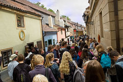 Złoty pas ruchu w Praga, Zlata - Ulicka Zdjęcia Royalty Free