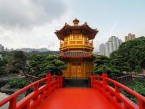 Złoty pawilon doskonałość w Nan Liana ogródzie, Zdjęcia Stock