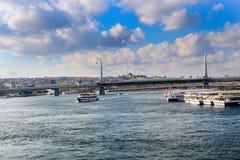 Złoty rogu metra most w Istanbuł fotografia stock