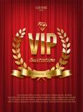 Z?oty VIP zaproszenia szablon - pisa? na maszynie projekt z diamentowym i laurowym wiankiem na czerwonym zas?ony tle wektor ilustracji