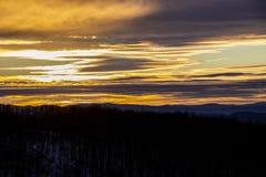 Złoty zmierzch nad Bułgarską górą zdjęcie royalty free
