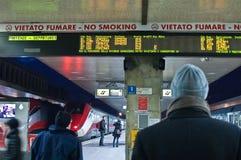 zły Italy tłumi pociąg pogodę zdjęcie stock