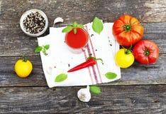 Z basilem pomidorowy kumberland zdjęcie royalty free
