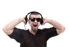 z bliska elegancki raper pokazuje hełmofony Odizolowywający na bielu obrazy royalty free