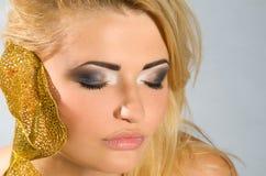 Z blondynka włosy piękna dziewczyna Zdjęcie Stock