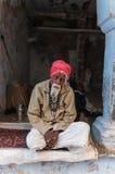 Z czerwonym turbanem stary Indiański mężczyzna Zdjęcie Royalty Free