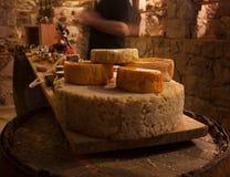 A-z de los quesos en un proceso de fermentación del celler para en Ciudad de México fotos de archivo libres de regalías