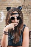 Zła dziewczyna z rzemiennymi kotów ucho Obrazy Stock