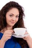 Z filiżanka kawy piękna młoda kobieta Fotografia Royalty Free