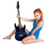 Z gitarą piękna kobieta Obraz Stock