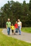 Z ich wnukami starszej osoby para zdjęcie royalty free