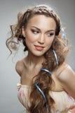 Z kędzierzawym włosy cudowna dziewczyna Obraz Royalty Free