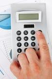 Z kalkulatorem mężczyzna ręka Obraz Royalty Free