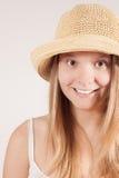 Z kapeluszem żniwo dziewczyna Zdjęcia Stock
