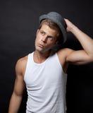 Z kapeluszem przystojny mężczyzna Zdjęcie Stock